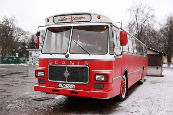 Автобус катается по городу третий день