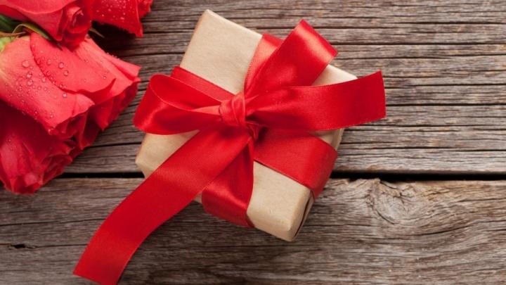 Успеть до 8 Марта: где искать подарки для милых дам