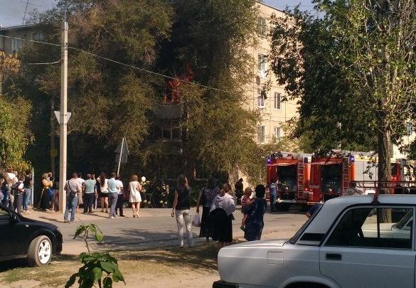 В Волгограде из-за пожара эвакуировали жильцов пятиэтажного дома