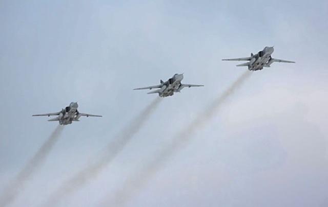 Над Волгоградом разлетались бомбардировщики