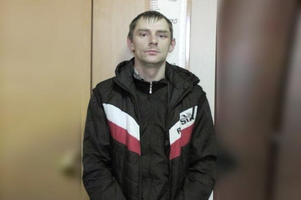 Полицейские ищут в Челябинске потерпевших от действий мужчины