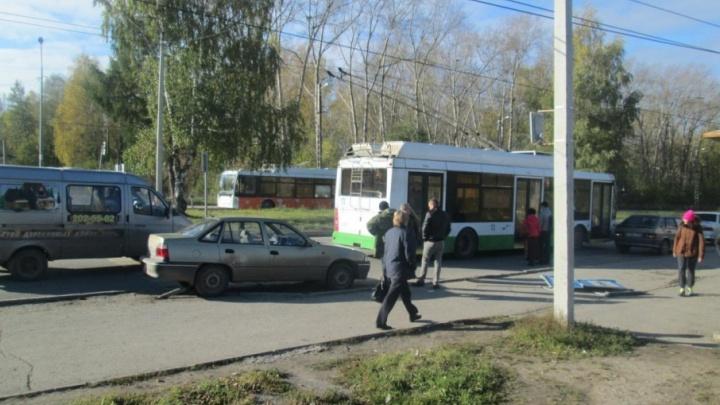 Заблокировался руль: в Прикамье буксируемую иномарку отбросило на пешехода
