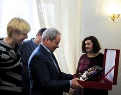 Виктор Басаргин поздравил театр кукол с получением «Золотой маски»