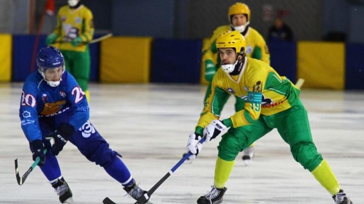 «Водник» разгромил кировскую «Родину» на чемпионате России по хоккею с мячом