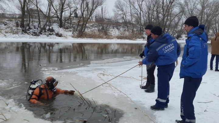 К поискам тела утонувшего в Суровикино мальчика подключились спасатели из Калача