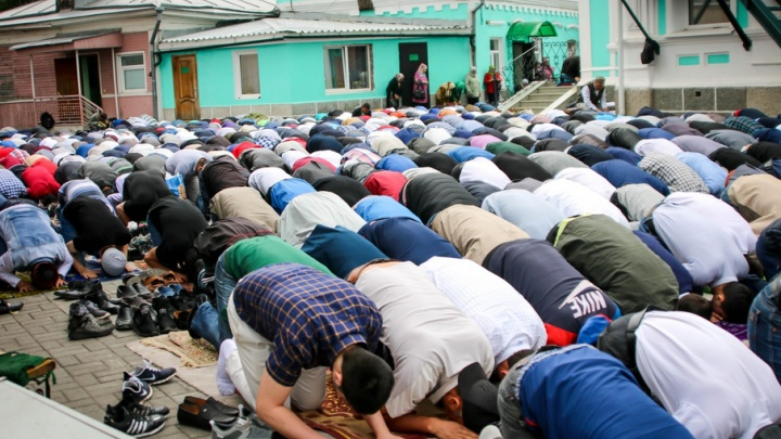 «Призываем к дружбе и уважению»: мусульмане отпраздновали Ураза-байрам в Челябинске