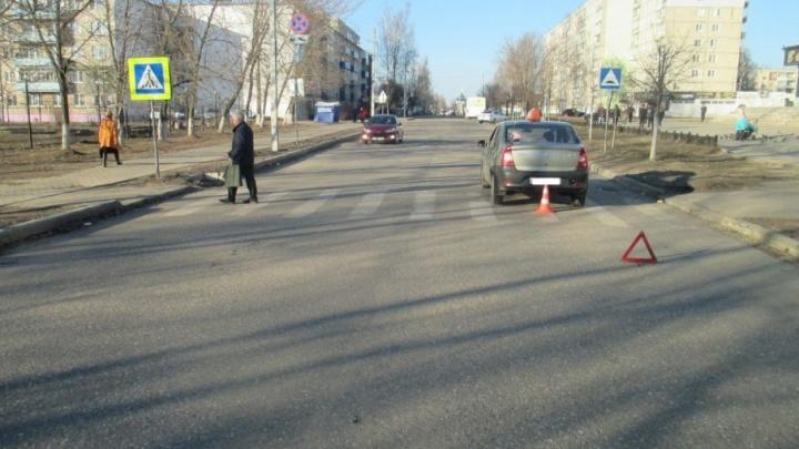 В Ярославской области таксист сбил двух школьниц