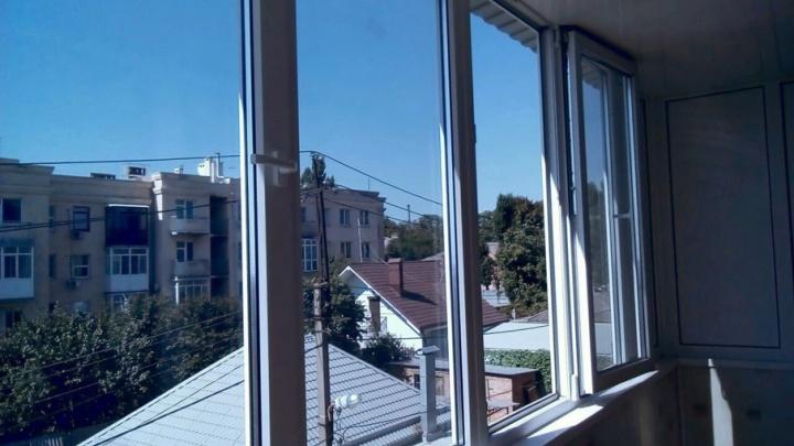 Выбираем балкон: стеклянный, цветной или раздвижной