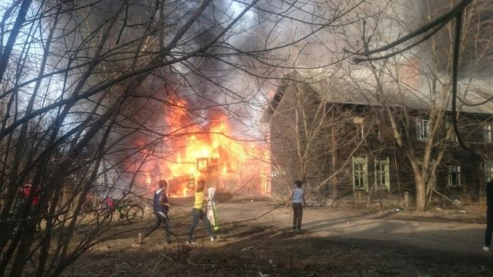 Появилось видео крупного пожара на проспекте Фрунзе