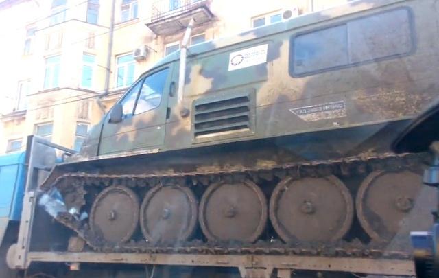 В Самаре умельцы поставили «газель» на шасси танка