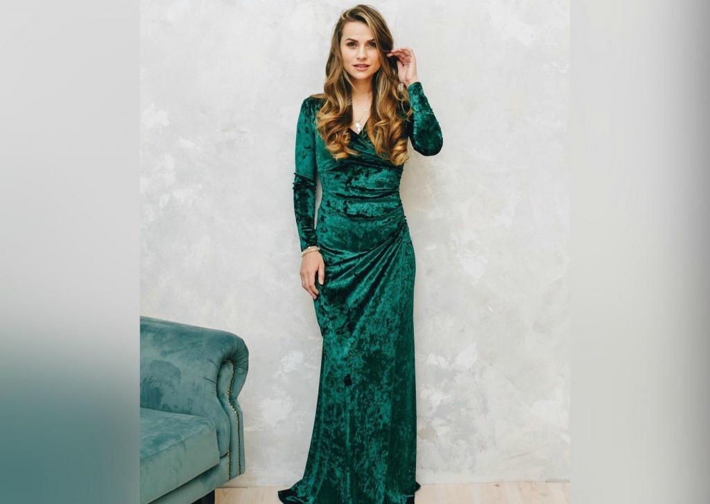Это не реклама платья.  Большинство записей владелицы популярного аккаунта - для души, а не ради звонкой монеты