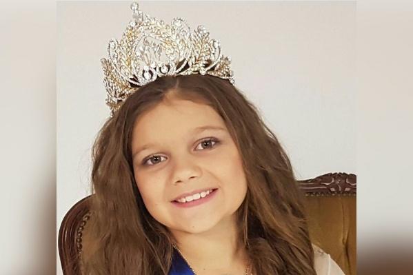Юная волгоградка пополнила коллекцию наград ценной короной