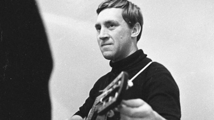 «Он впервые спел перед многотысячной толпой»: о концертах Высоцкого в Куйбышеве