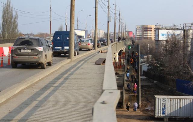 Из-за ремонта Южного моста самарцы стали в 1,5 раза больше тратить времени на дорогу