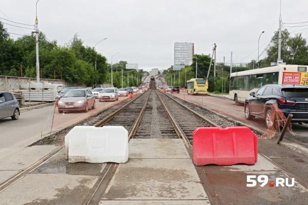 Трамвайные пути на Северной дамбе откроют только в сентябре