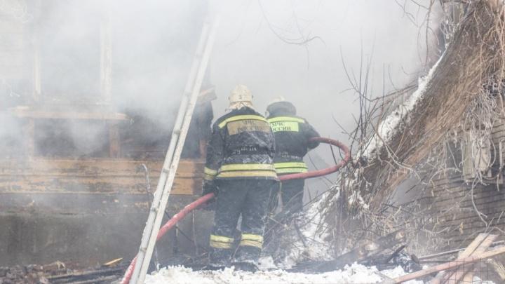 В Самаре 73 пожарных тушили частный дом