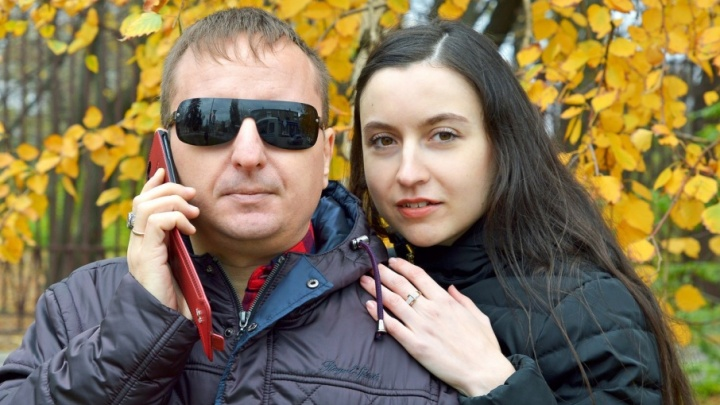 Слепой музыкант из Шахт поздравил трогательным клипом женщин Дона с Днем матери