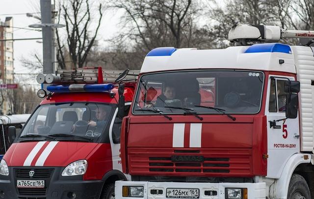 Из горящей многоэтажки на Северном спасли 10 человек