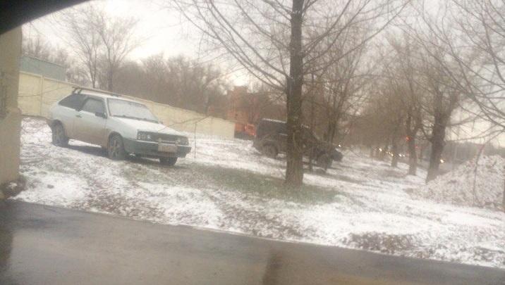 Волгоград накрыло «предзимним» снегопадом