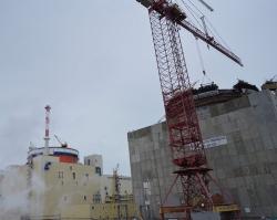 В реакторном отделении смонтированы баки аварийного запаса раствора бора