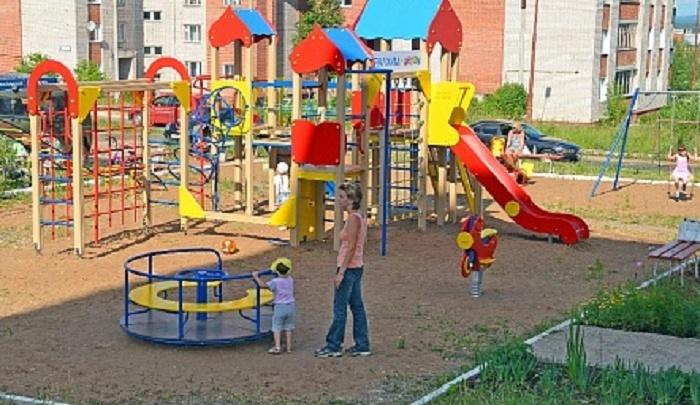 Ростовские власти выделили миллион рублей на детские площадки в Первомайском районе