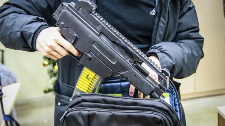 С оружием можно, без сменки нельзя: проверяем, могут ли посторонние попасть в ростовские школы