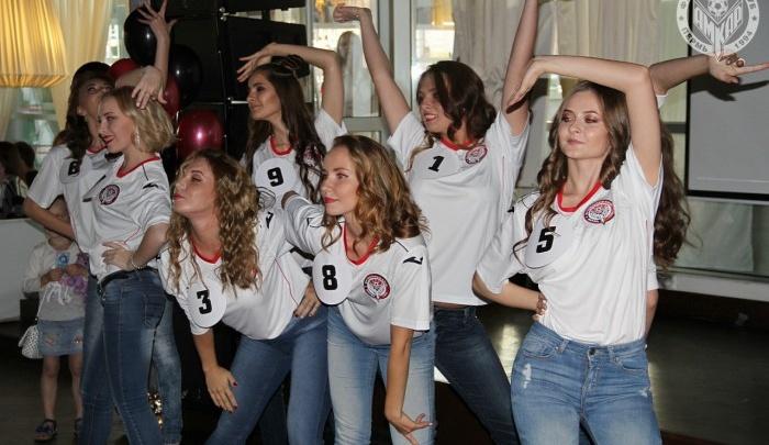 Стань мисс «Амкар»: пермский футбольный клуб запустил конкурс для самых красивых болельщиц