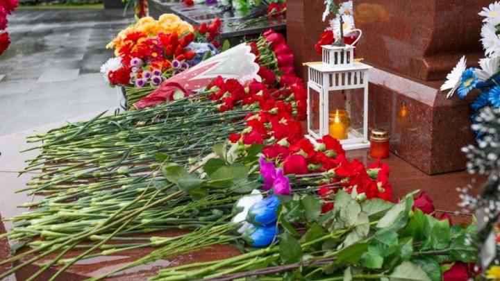 Шесть лет без «Локомотива»: как прошел день памяти в Ярославле