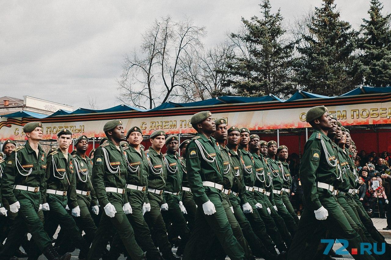 Иностранные курсанты ТВВИКУ