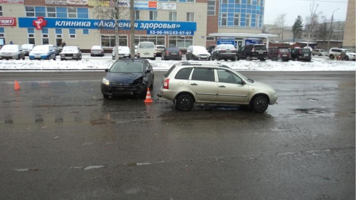 В Архангельске «Форд-Фокус» проверил на прочность «Ладу-Калину»