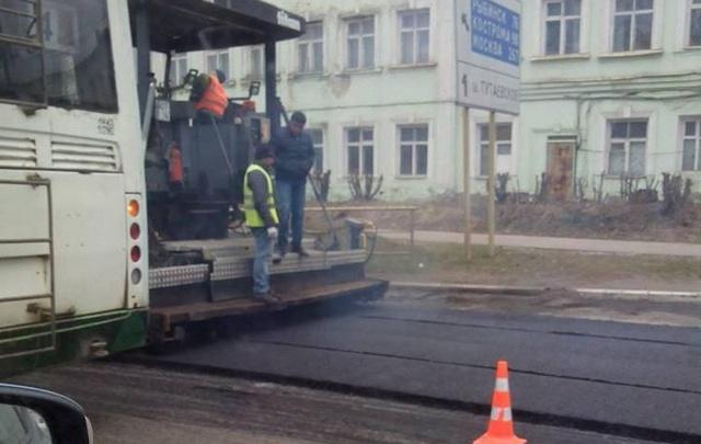 Сегодня в Ярославле станет меньше ям: где залатают дыры