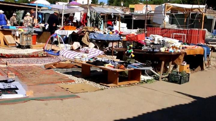 «Эти площадки должны радовать уютом»: рынки в 15-м микрорайоне и на Авроре пойдут под снос