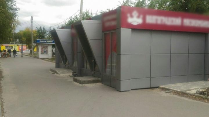 Новые торговые галереи «пожирают» пешеходные дорожки в Волгограде