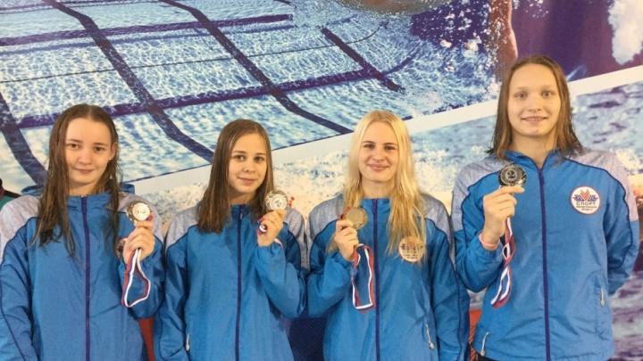 На зональных соревнованиях по плаванию команда Поморья завоевала 35 медалей