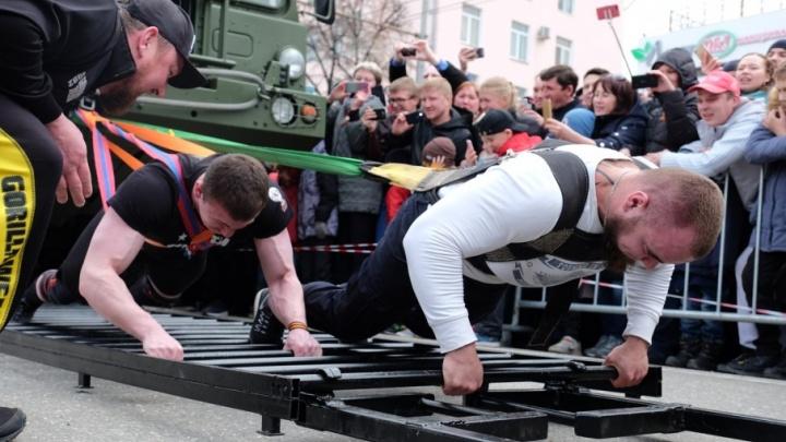 Эстафета с тяжестями и тяга грузовой машины: в Перми выберут самого сильного атлета России
