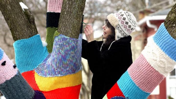 «Обогреем город»: в Челябинске пройдет фестиваль уличного вязания