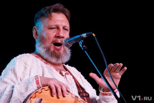 Николая Емелина зовут в город с песней «За Сталинград!»