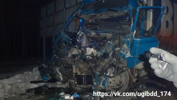 Два грузовика сошлись в ДТП на Южноуральской трассе