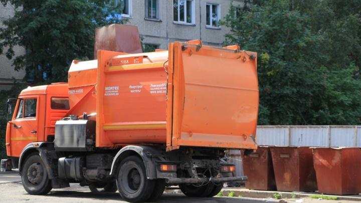 Во дворах Архангельска появится более 400 новых евроконтейнеров