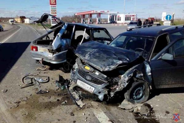 Столкнувшиеся легковые машины восстановлению не подлежат