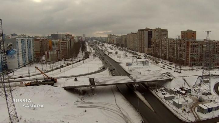 Навели мосты: на Ташкентской соединили две части путепровода