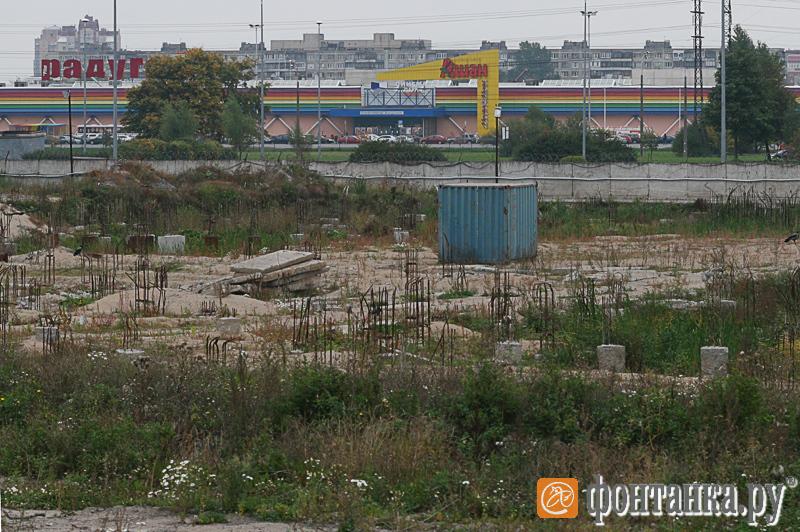 Строительная площадка легкоатлетического комплекса у СКК