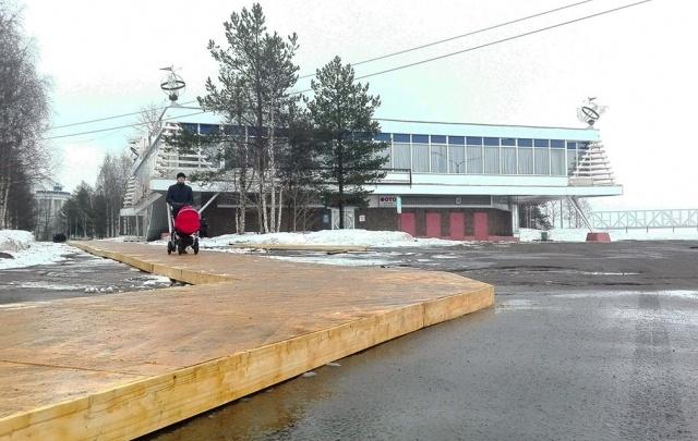 Прославившийся архангельский «паркет» после форума переселят на Ленинградский