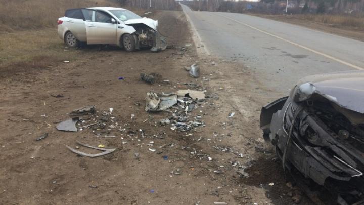 Осколки на обочине: под Самарой столкнулись KIA и Toyota