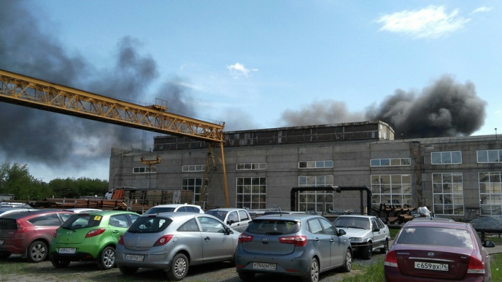 Челябинцев встревожил столб чёрного дыма за ТРК «Алмаз»