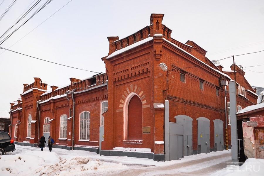 Общая площадь здания – 342 квадратных метра.