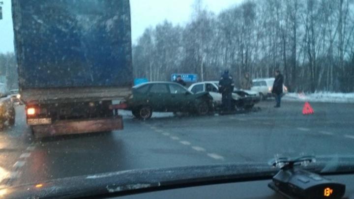 ДТП и пробки: сегодня утром в Ярославле и области произошло несколько аварий