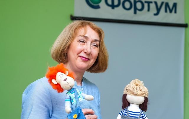 Инженер челябинской электростанции шьет куклы, которые расходятся по всему миру