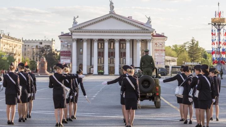 В Волгограде парадом Победы пройдут 2087 человек