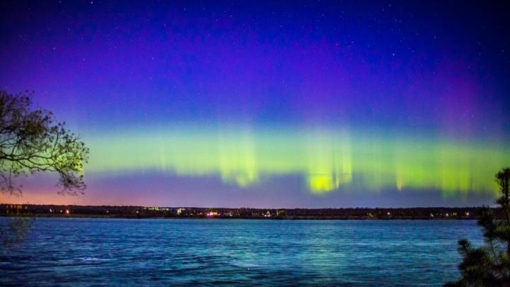 К Земле движется солнечная вспышка: едем за город смотреть на северное сияние